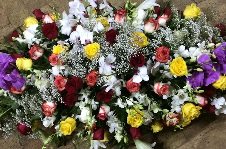 Fioreria-Marchetti-castiglione-cuscino-fiori-colorato-081